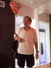 Harlan with Te Amo balloon.JPG