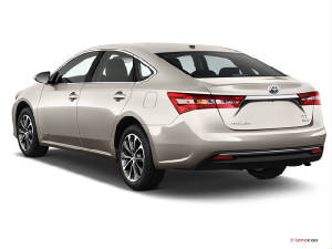 Toyota Avalon hybrid rear view.jpg