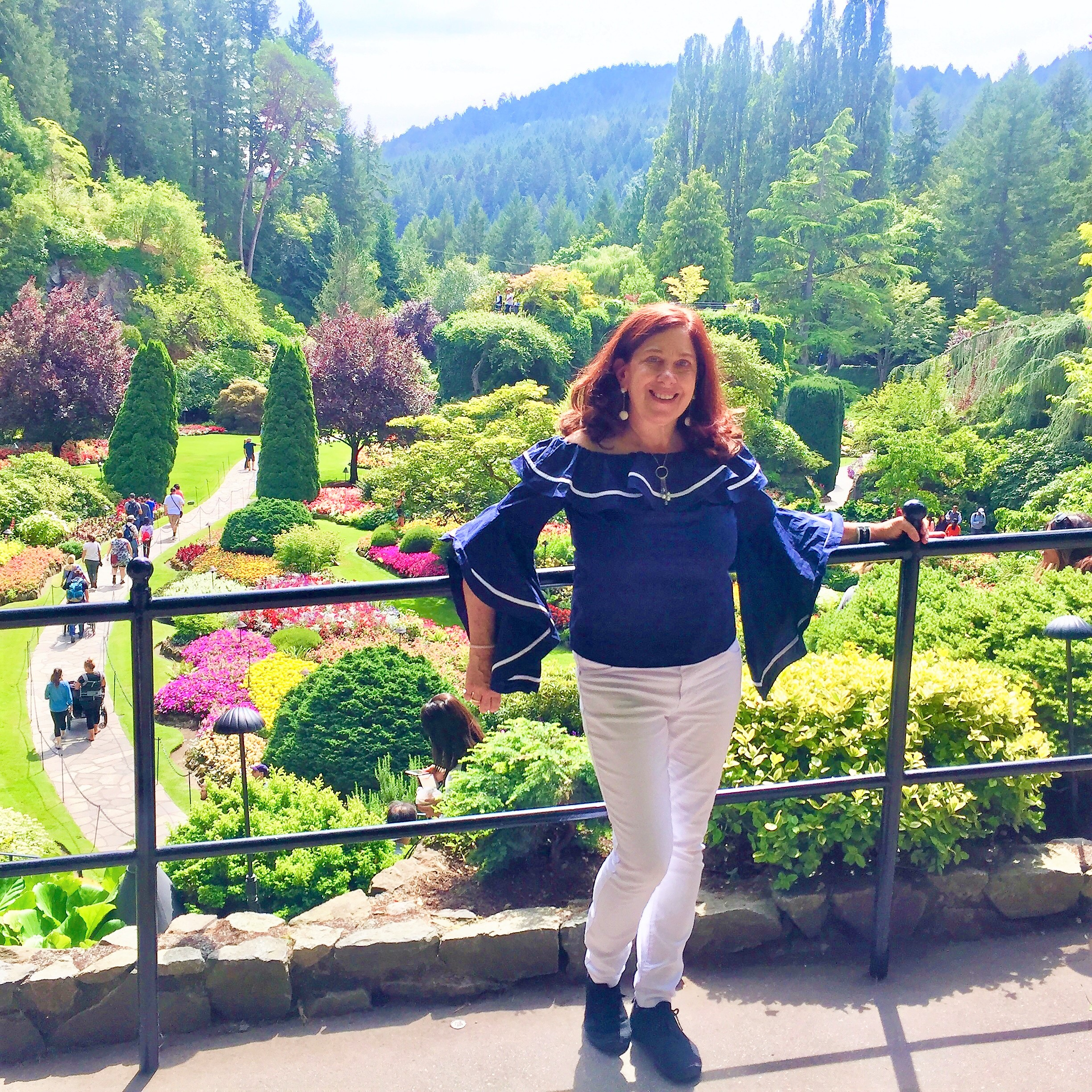 Pattie in Butchart Garden in Victoria.JPG