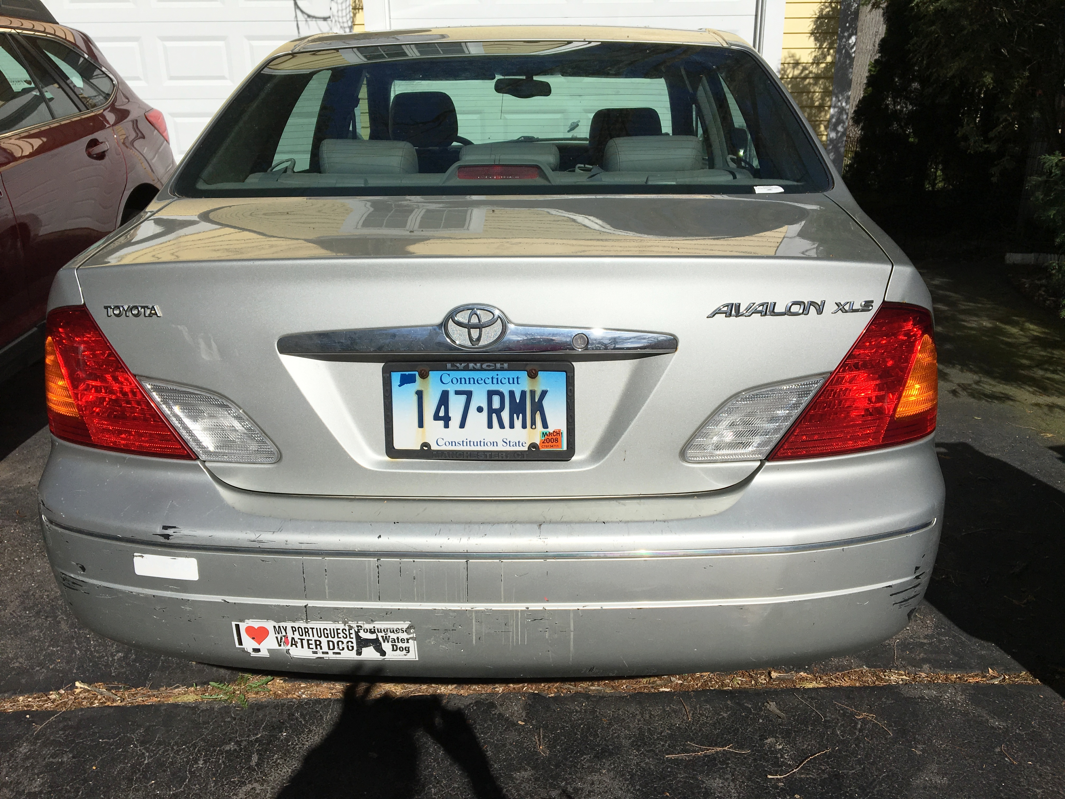 My 2002 Toyota Avalon rear view.JPG